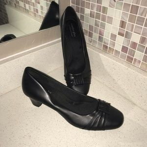 Comfort Plus Black Low Heel Closed Toe